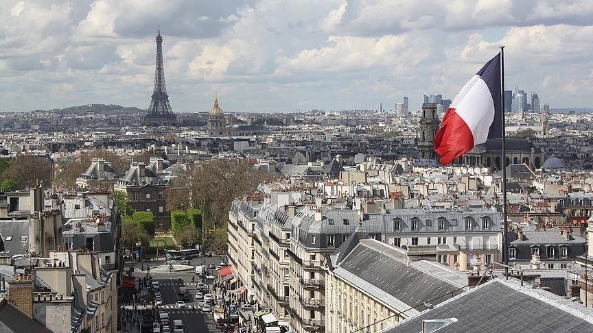 Fransa'da halk kıtlık endişesiyle gıda stokluyor