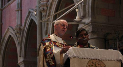 İngiliz Kilisesi, Kovid-19 aşısını kontrol etmeye çalışan AB'yi Hristiyan değerlere karşı gelmekle suçladı
