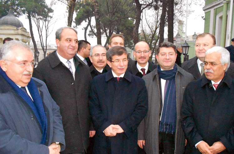 Milletvekillerimiz, Başkonsolos Sarnıç ile birlikte Büyükelçiler konferansına katıldılar