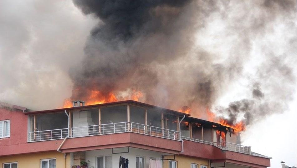İskeçe'de yangın! Aile son anda kurtuldu
