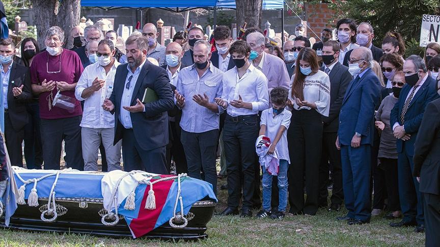 Eski Arjantin Devlet Başkanı Menem Müslüman Mezarlığında defnedildi