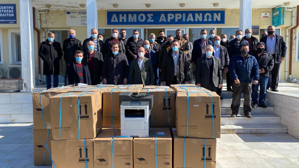 Kozlukebir Belediyesi tüm muhtarlara fotokopi makinesi dağıttı