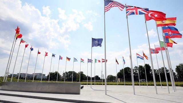Türk-Yunan heyetleri NATO Karargahı'nda bir araya geldi