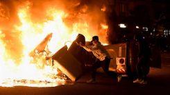 İspanya sokakları yanmaya devam ediyor