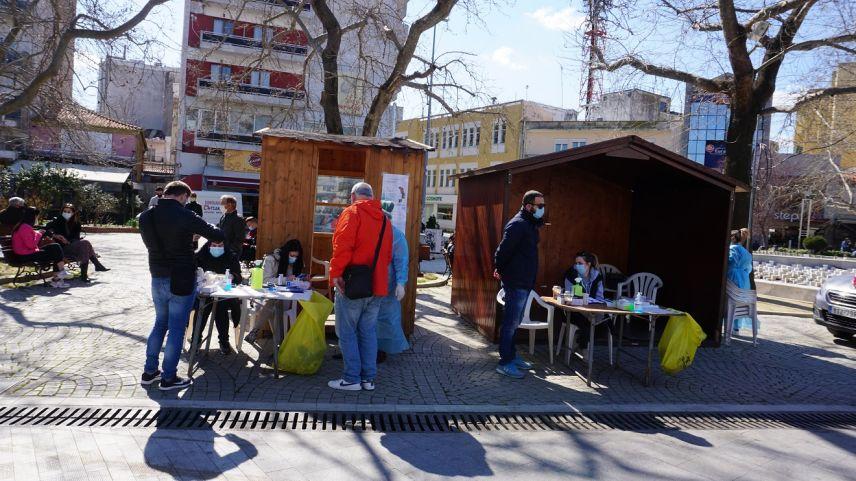 Gümülcine şehir meydanında 5 günlük rapid test programı başladı