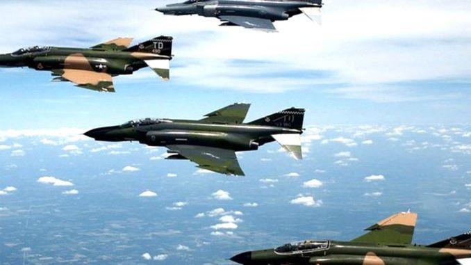 Suudi Arabistan savaş uçakları tatbikat için Girit'e konuşlanıyor