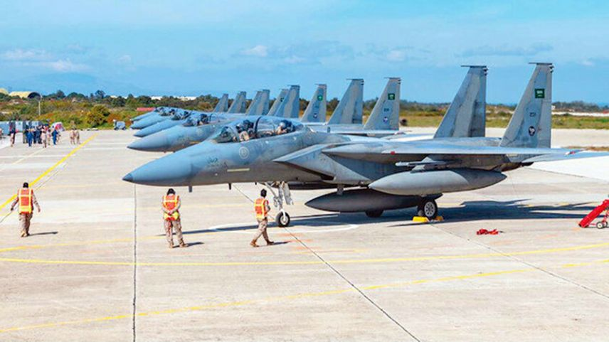 Suudi F-15'leri Girit'teki Suda üssüne konuşlandı