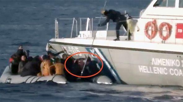 """Avrupa Birliği'nden Frontex'e """"Ege Denizi'nde mültecilerin geri itilmesi"""" eleştirisi"""