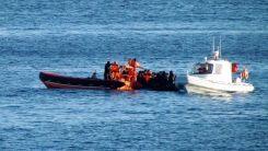 Yunanistan unsurlarınca elleri bağlı denize atılan insanı arama çalışmaları sürüyor