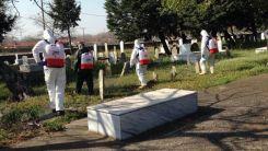Yassıköy Belediyesi'nden mezarlıklara profesyonel ilaçlama çalışması
