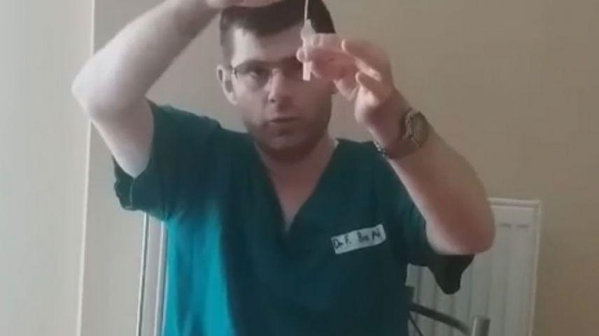 Aşağıköylü Dr. Ferdi Bozali self testin yapılışını anlattı
