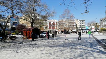 Gümülcine şehir meydanında 66 kişi rapid testi yaptırdı