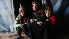 İdlib'deki kamplarda ilk iftar yoksulluğun pençesinde yapıldı