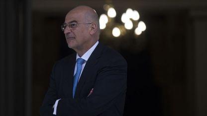 Dışişleri Bakanı Dendias, İstanbul'daki Özel Merkez Rum Lisesini ziyaret etti