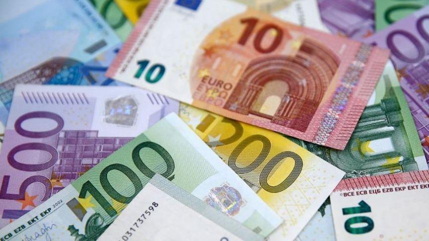 AB kurtarma fonu için 800 milyar euro borçlanacak