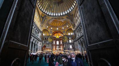 Ayasofya Camisi dünyaya örnek olabilecek bir modelle restore ediliyor