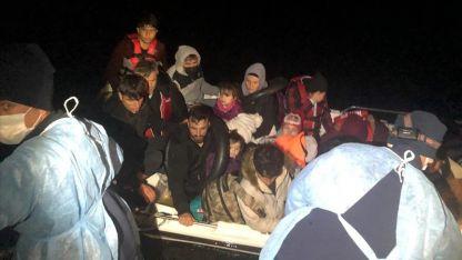 Yunanistan unsurlarınca geri itilen 18 göçmen kurtarıldı