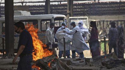 Hindistan'da bir günde 332 bin 518 vaka tespit edildi