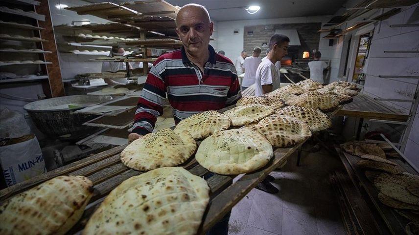 Bosna Hersek'te iftar sofralarının vazgeçilmezi bu ramazanda da somun oldu