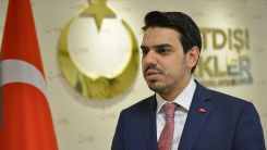 YTB Başkanı Eren, Almanya'da polis şiddetine maruz kalan Türk iş insanı ile görüştü