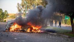 İşgalci İsrailli yerleşimciler Filistinli bir sürücüyü linç etmeye çalıştı