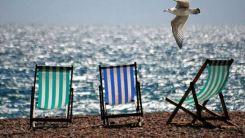 Eπιδόματα έως 1000 ευρώ, κοινωνικός τουρισμός, κατασκηνώσεις, εκδρομές