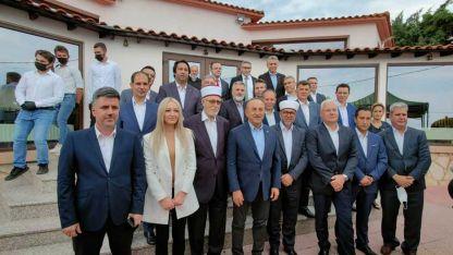 Mevlüt Çavuşoğlu Batı Trakya Türklerinin temsilcileriyle buluştu
