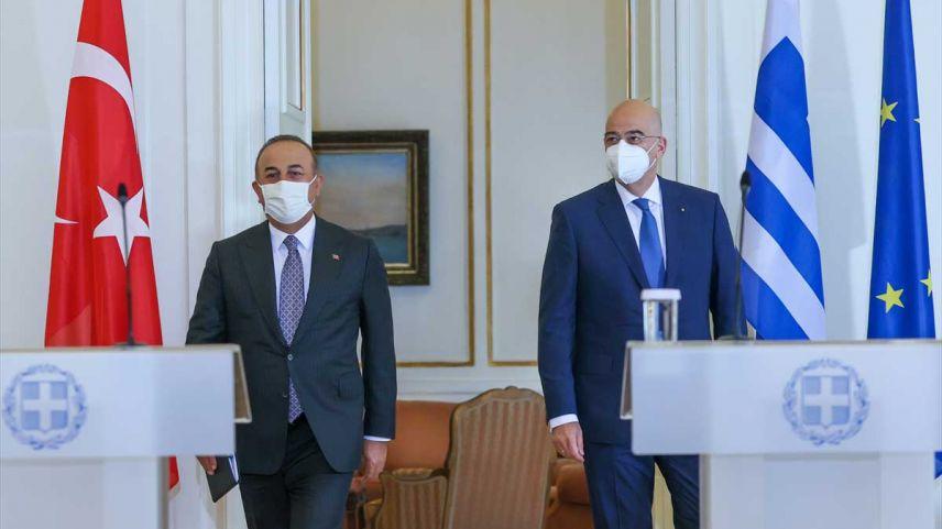 """Yunan basınından Çavuşoğlu'nun Atina temasları için """"samimi atmosferde geçti"""" yorumu"""