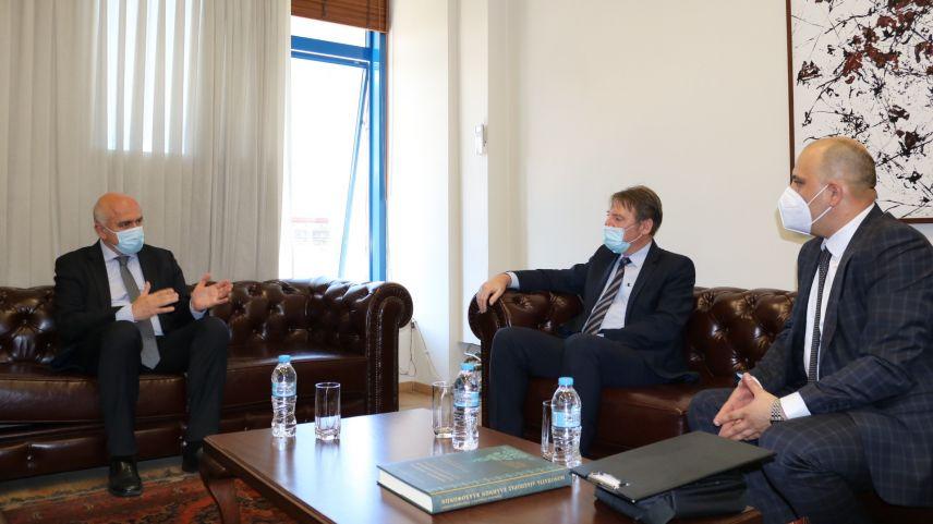 Bulgar Konsolos Pisanchev, Eyalet Başkanı Metios'la görüştü