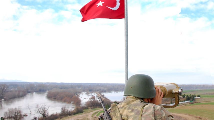 Türkiye sınırlarında 9 terörist yakalandı