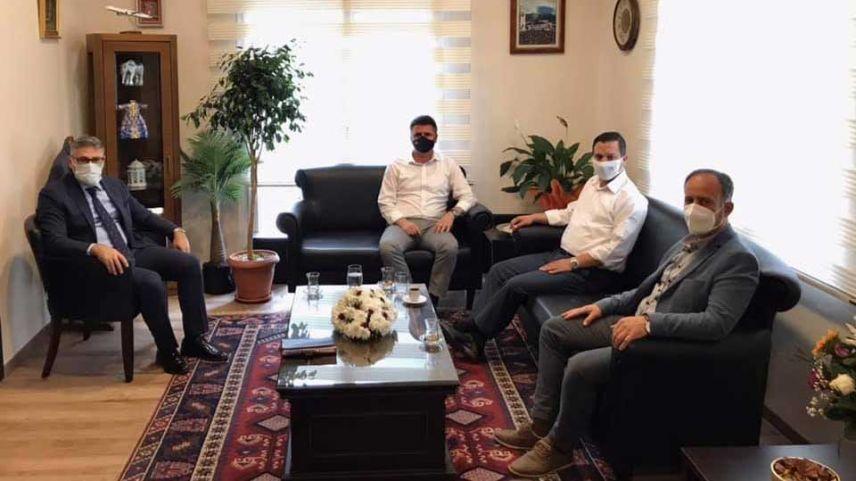 Başkonsolos Ömeroğlu  Türk Belediye Başkanları ile görüştü