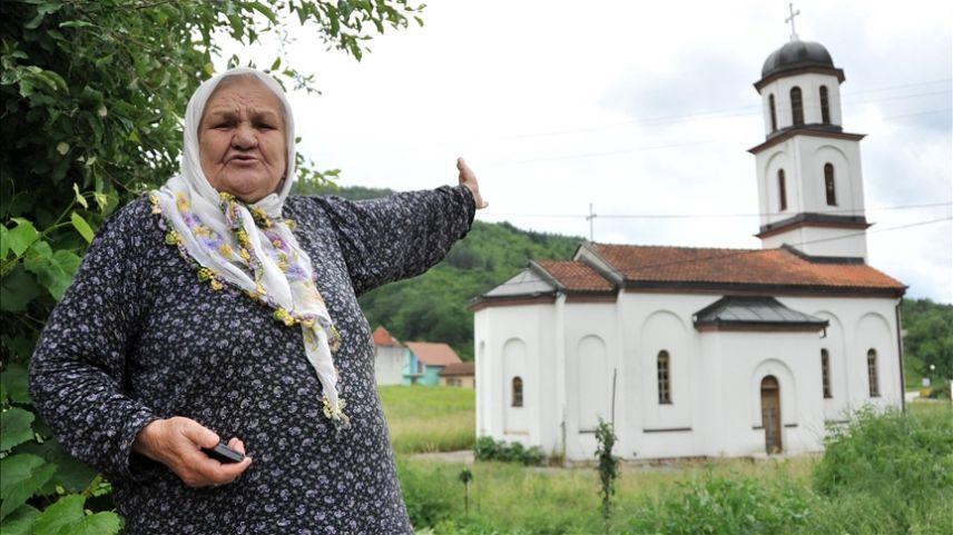Ninenin bahçesine izinsiz yapılan Ortodoks kilisesi yıkıldı