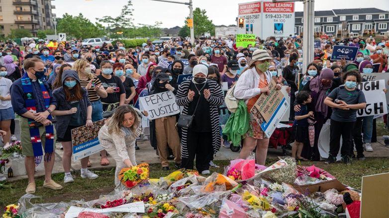 Kanada'da hayatını kaybeden Müslüman aileyi andılar