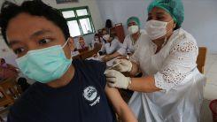 Dünyada 2 milyar 660 milyon dozdan fazla Kovid-19 aşısı yapıldı