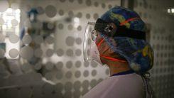 Hava filtreli maskeler sağlık çalışanlarını Kovid-19'a karşı korumada daha etkili