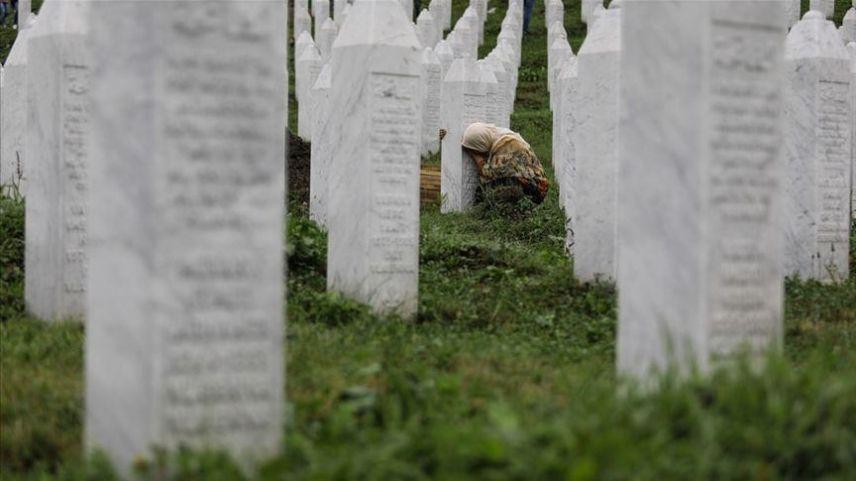 Srebrenitsa'daki soykırımda öldürülen 19 kurbanın cenazesi toprağa verilecek