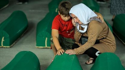 Srebrenitsalılar, soykırımda kaybettikleri yakınlarına son kez veda etti