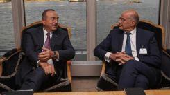 Çavuşoğlu, Dendias ile görüştü
