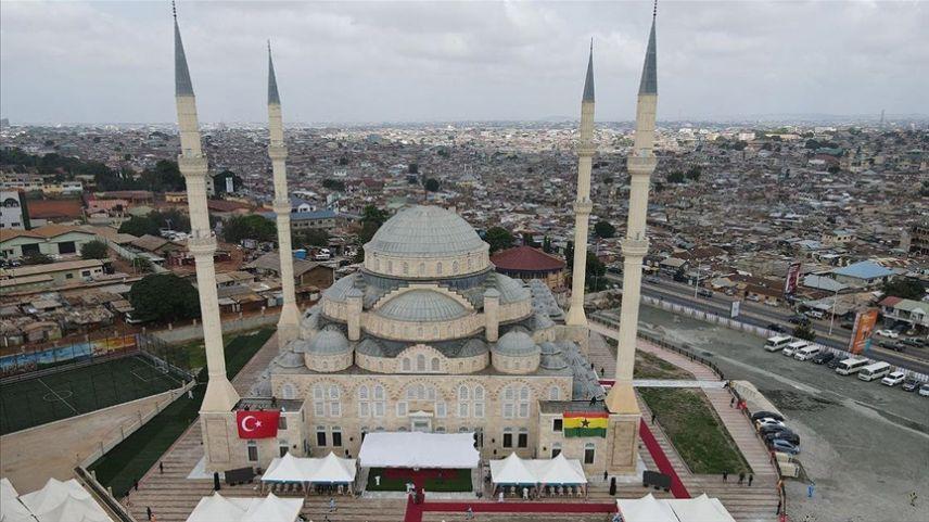 Türkiye tarafından inşa edilen Gana Millet Cami ve Külliyesi ibadete açıldı