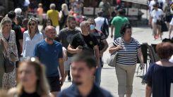 Avrupa ülkelerinde Kovid-19 vakaları artıyor, kısıtlamalar geri geliyor