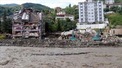 Türkiye: Sel felaketinde can kaybı 57'ye yükseldi