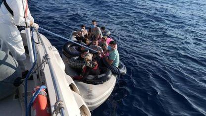 Ölüme terk edilen göçmenler kurtarıldı