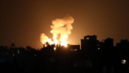İsrail savaş uçaklarından Gazze Şeridi'ne saldırı