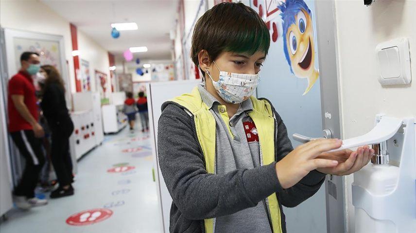 DSÖ ve UNICEF: Avrupa ve Orta Asya'da tüm okullar açık kalsın