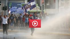 Yunanistan'da zorunlu aşılama: Hükümet ile sağlık çalışanları karşı karşıya