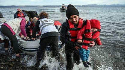 Yunanistan'da göçmenlere yardım eden STK'lara ceza verilmesi gündemde