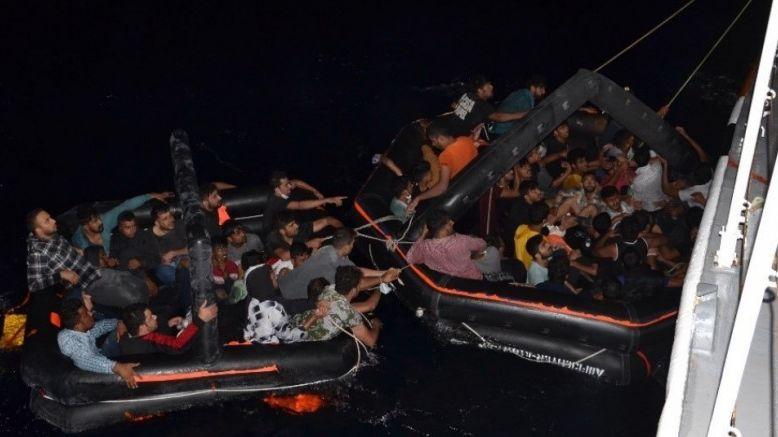 Türk karasularına geri itilen düzensiz göçmenler kurtarıldı