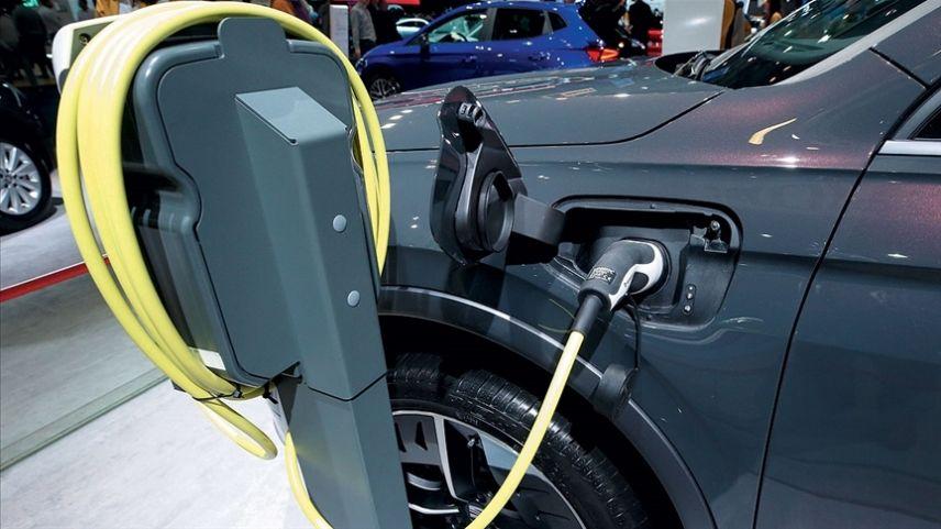 Satılan binek araçların yarısı 2032'ye kadar elektrikli olacak