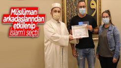Müslüman arkadaşlarından etkilenen Alman Dennis Patrick, İslamiyet'i seçti
