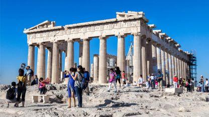 Yunanistan'da bu yıl turizm iyi gittiği halde gelir 2019'un yarısı